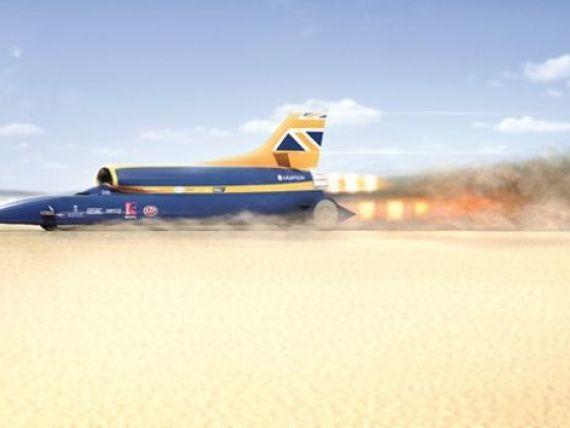 Masina care depaseste 1.600 km/ora a fost testata. Este mai rapida ca un glont si are trei motoare: de Formula 1, avion si racheta FOTO+VIDEO