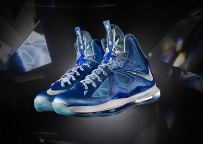 Pantoful de la Nike, care a starnit indignarea odata cu aflarea pretului. Cele mai noi IMAGINI