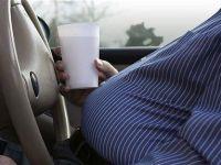 Consumul de carburant, influentat de greutatea soferului. Cat cheltuiesc in plus pe benzina persoanele supraponderale