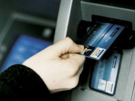 Romanii nu au incredere in tranzactiile online: fac doar 6 plati cu cardul anual. In Marea Britanie se fac de 20 de ori mai multe