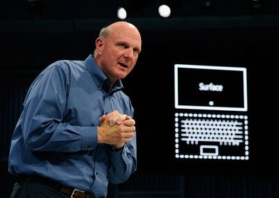 Seful Microsoft, pedepsit: i-au taiat bonusul la jumatate. Suma uriasa pe care o castiga Tim Cook de la Apple