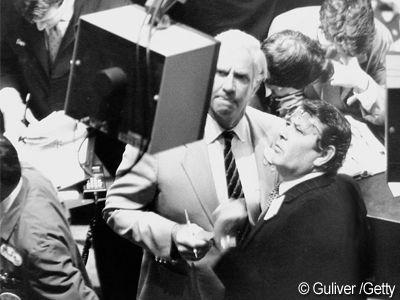 25 de ani de la cel mai mare declin din istorie.  Black Monday , ziua in care 500 mld. dolari s-au evaporat de pe Wall Street
