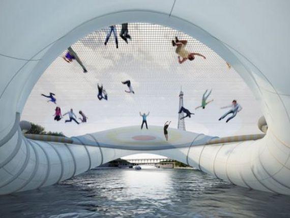 Constructia care va schimba fata Parisului. Podul gonflabil cu trambuline peste Sena, creatia unei romance