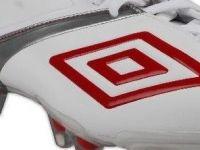 Nike vinde brandul Umbro la jumatate din pretul la care l-a cumparat