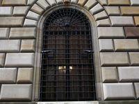 Secretele unuia dintre cele mai mari seifuri de banca din lume: se afla la 25 de metri sub pamant si 15 sub mare