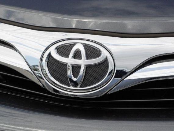 Toyota spulbera concurenta. Camry si Prius, modelele cu care si-a consolidat pozitia de lider la nivel mondial