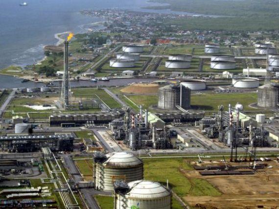 Pretul petrolului e la minimul ultimelor 4 luni din cauza uraganului Sandy