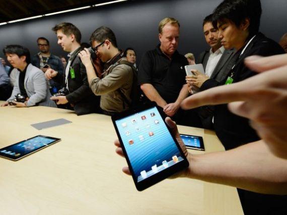 Grandoarea Apple a apus. Doar cateva persoane au asteptat lansarea la vanzare a tabletei iPad Mini, in Noua Zeelanda
