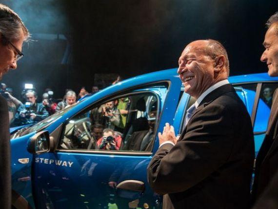 Dacia pregateste inca trei modele. Traian Basescu, despre industria auto: Nu e  Yes, we can , dar este un  Da, putem  romanesc
