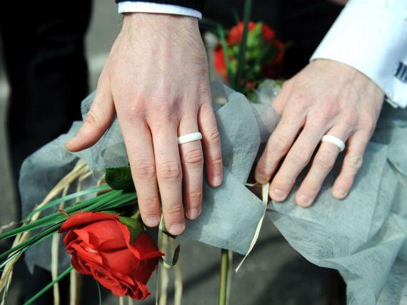 Casatoriile gay revigoreaza economia SUA