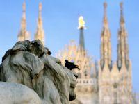 Statuile gotice de pe Domul din Milano pot fi adoptate, contra unei donatii