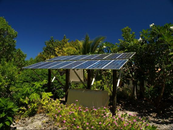 RCS RDS intra pe energie solara prin doua achizitii