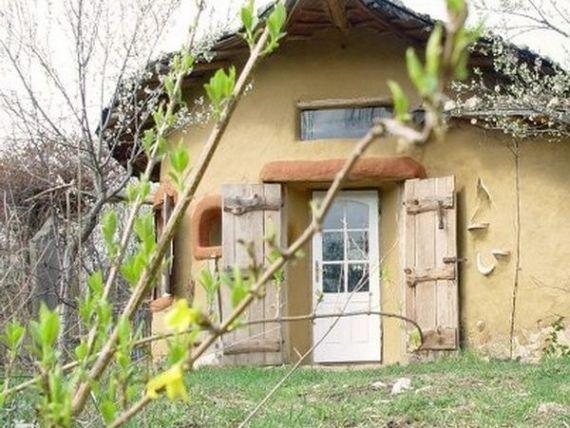 O casa din Romania, in top 10 cele mai reusite locuinte  cob  din lume