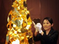 Un brad de Craciun din aur, in valoare de 4,2 milioane de dolari, pus in vanzare la Tokyo