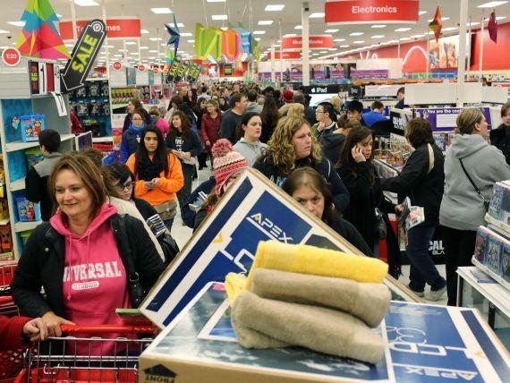 WSJ: Black Friday nu aduce neaparat cele mai bune oferte. Pe ce mizeaza de fapt retailerii