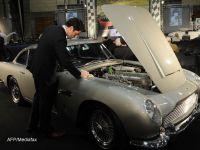 Simbolul nemuritorului James Bond, in moarte clinica. Aston Martin renunta la 40% din actiuni pentru a se salva