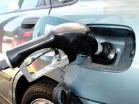Cresc preturile la carburanti. Guvernul a avizat cresterea accizelor la motorina, incepand cu ianuarie 2013