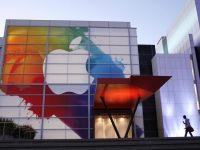 Apple isi continua caderea pe bursa. Actiunile scad sub 500 de dolari, pentru prima data din februarie
