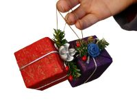 Cadourile preferate de Craciun: gadgeturile, pentru barbati, si parfumurile, pentru femei