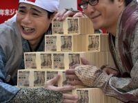 Ce e in spatele prabusirii dramatice a yen-ului japonez. Povestea economica ce a atras atentia intregii lumi