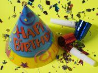 """Un post de radio american vrea sa gaseasca un inlocuitor pentru cantecul """"Happy Birthday To You"""""""