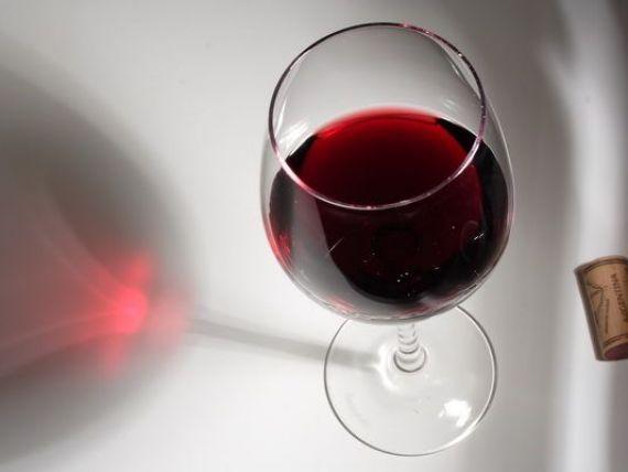 Un comerciant de vinuri ofera reduceri pentru mame, bancheri, jurnalisti, germani si persoanele cu parul roscat