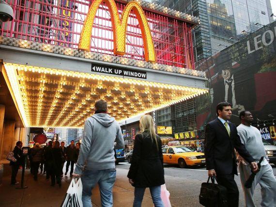 Surpriza din meniu. McDonald s renunta la celebrele jucarii Happy Meal. Cu ce le inlocuieste