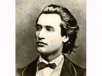 Eminescu, cel mai bine vandut autor roman. Cat ar fi castigat poetul din drepturile de autor daca ar fi trait in prezent