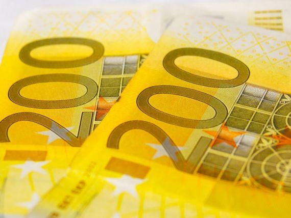 BCE: Economia zonei euro ar trebui sa-si revina pe parcursul acestui an