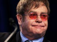 Elton John plateste 20.000 de lire sterline pentru o mama-surogat
