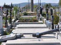 Biserica nu vrea concurenta. Credinciosii, lipsiti de slujbe daca detin locuri in cimitire private