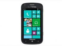 """Cele mai ciudate telefoane la CES 2013: unul rezista 15 ani in stand-by, altul e pentru """"Apocalipsa"""""""