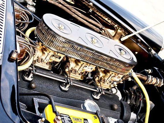 O masina din rsquo;60, vanduta cu 8 milioane de dolari la cea mai scumpa licitatie din SUA