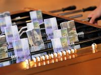 Ratele au explodat: romanii cu credite in franci vor plati lunar in plus 300-350 lei la o rata medie de 500-600 franci. Ce spune consilierul guvernatorului BNR