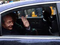"""Basescu: """"Asta e momentul pentru industriile fara piata in Romania sa iasa din teritoriul national"""""""