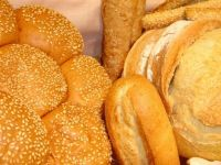 Guvernul mentine decizia politica de a reduce TVA la 9% pentru paine, in 2013