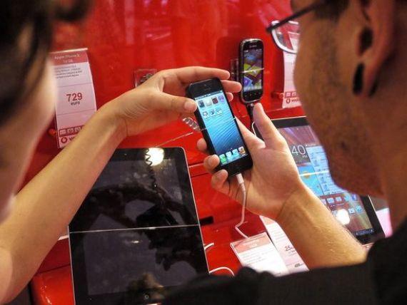 Americanii prefera iPhone-ul. Apple a devenit lider pe piata telefoanelor mobile in SUA, devansand Samsung