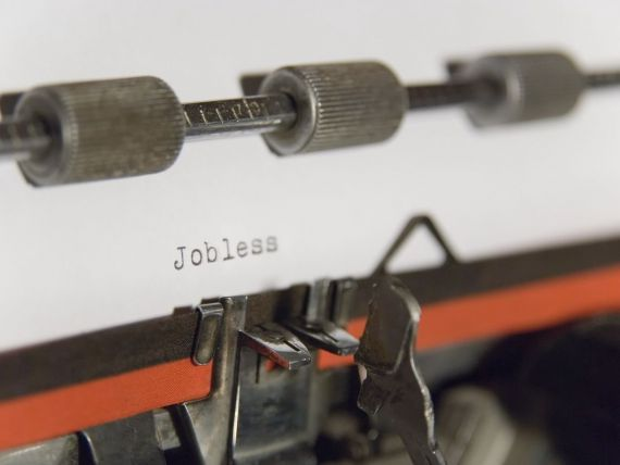 IRES: Lipsa locurilor de munca, principala grija a romanilor in 2014. Cum vad anul 2015