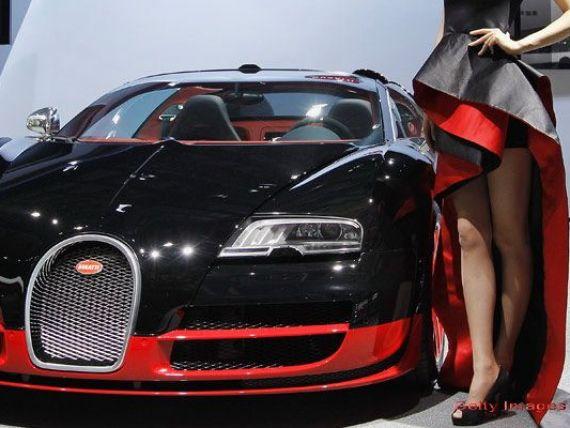 Femeia care are la picioare cei mai bogati barbati de pe Planeta merge cu un VW Golf.  I-a facut  de 15.000.000 de euro intr-un singur an