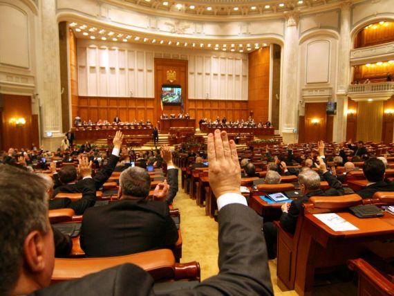 Deputatii au adoptat amnistia fiscala in cazul mamelor care au primit indemnizatii calculate gresit