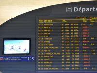 Traficul aerian va fi redus duminica pe aeroporturile din Paris, din cauza ninsorilor abundente