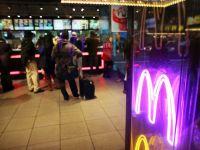 In interiorul bucatariei secrete unde McDonald's prepara noi produse. GALERIE FOTO