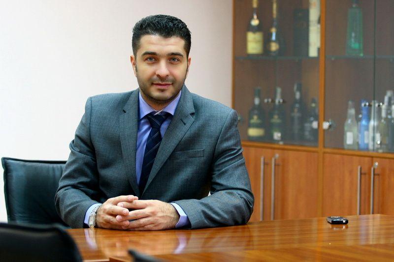 Omul pe care companiile il angajeaza sa dea oameni afara. Portretul unui manager specializat in restructurari de business-uri