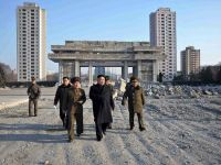 "Liderul nord-coreean a asistat la manevre de simulare a unui ""razboi real"""