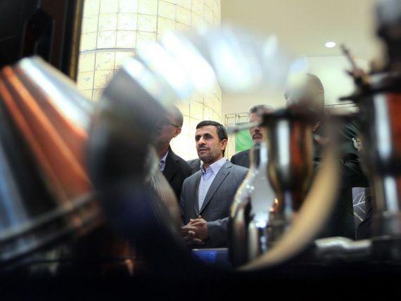 Iranul, in pragul recesiunii. Economia tarii, paralizata din cauza unei prabusiri a exporturilor de petrol