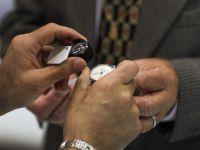 Un mitropolit bulgar isi doneaza ceasul Rolex unei biserici pentru plata facturii la electricitate