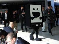 """MWC 2013: """"Casa inteligenta"""", telefonul cu doua display-uri si ecranul care nu poate fi zgariat"""