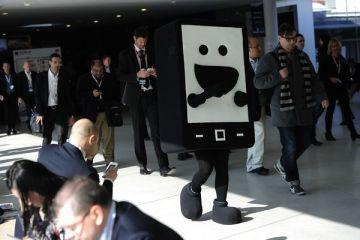 MWC 2013:  Casa inteligenta , telefonul cu doua display-uri si ecranul care nu poate fi zgariat