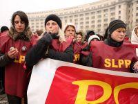 Sindicalistii de la Posta Romana protesteaza, cu cagule pe fata, in toata tara