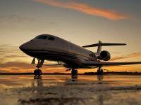 Un octogenar innebunit dupa adrenalina a cumparat avionul care atinge viteza sunetului